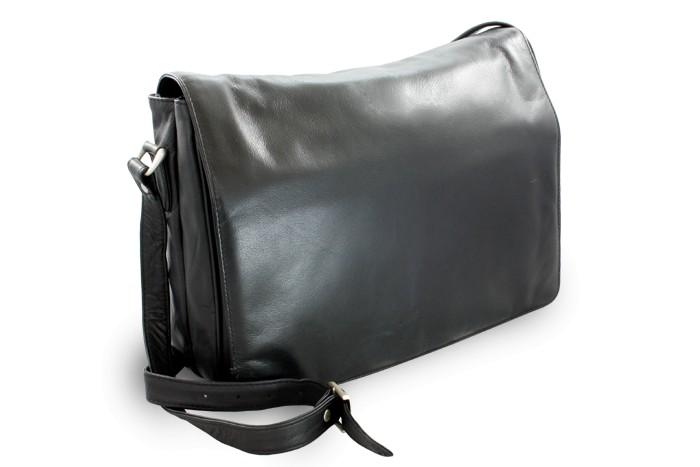 Černá dámská kožená klopnová kabelka Coralies