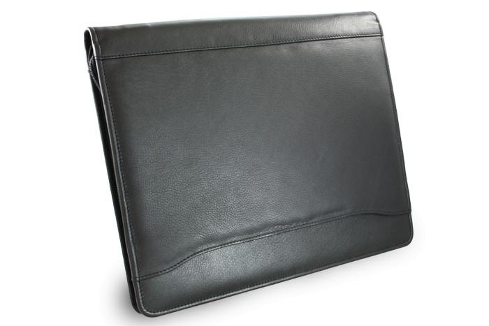 Černá kožená zipová spisovka Levi 5d9baac2996