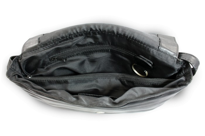 Černá kožená klopnová kabelka Londen Toto zboží si právě prohlíží 20  zákazníků 52eb781945d