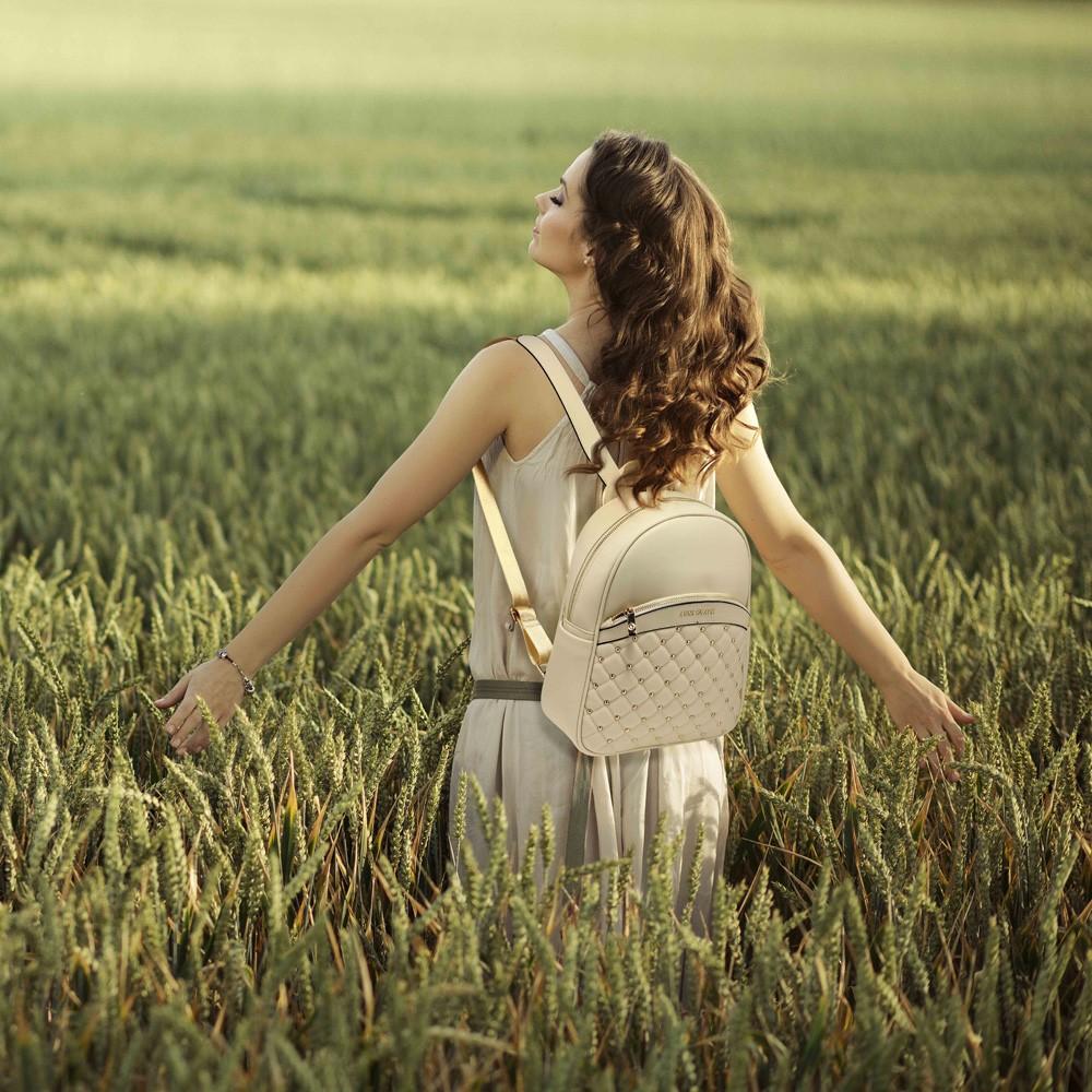 Béžový dámský moderní stylový batoh Vikki  eae2ab3d28