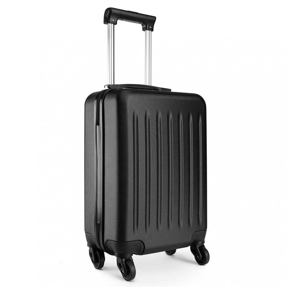 Černý cestovní kvalitní prostorný malý kufr Bartie