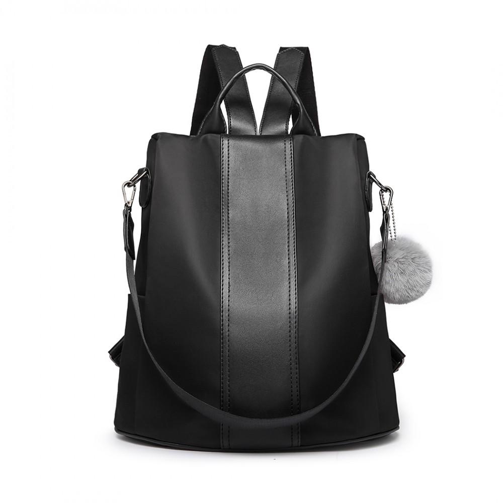 cc79e0b315 Černý stylový moderní dámský batoh kabelka Ahana