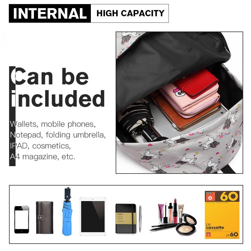 Šedý netradiční batoh s obrázky jednorožců Zaclyn