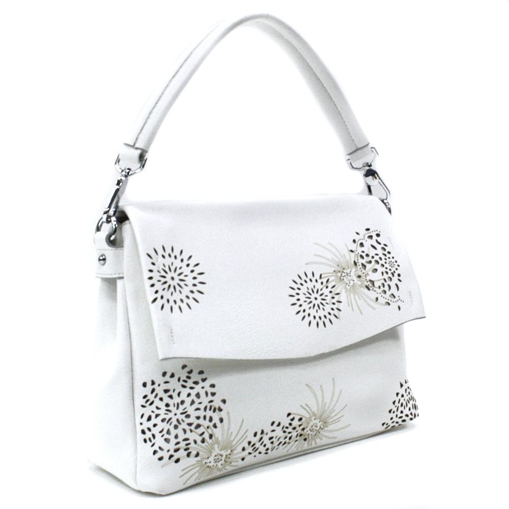 Bílá dámská kabelka s výraznou klopnou Musette