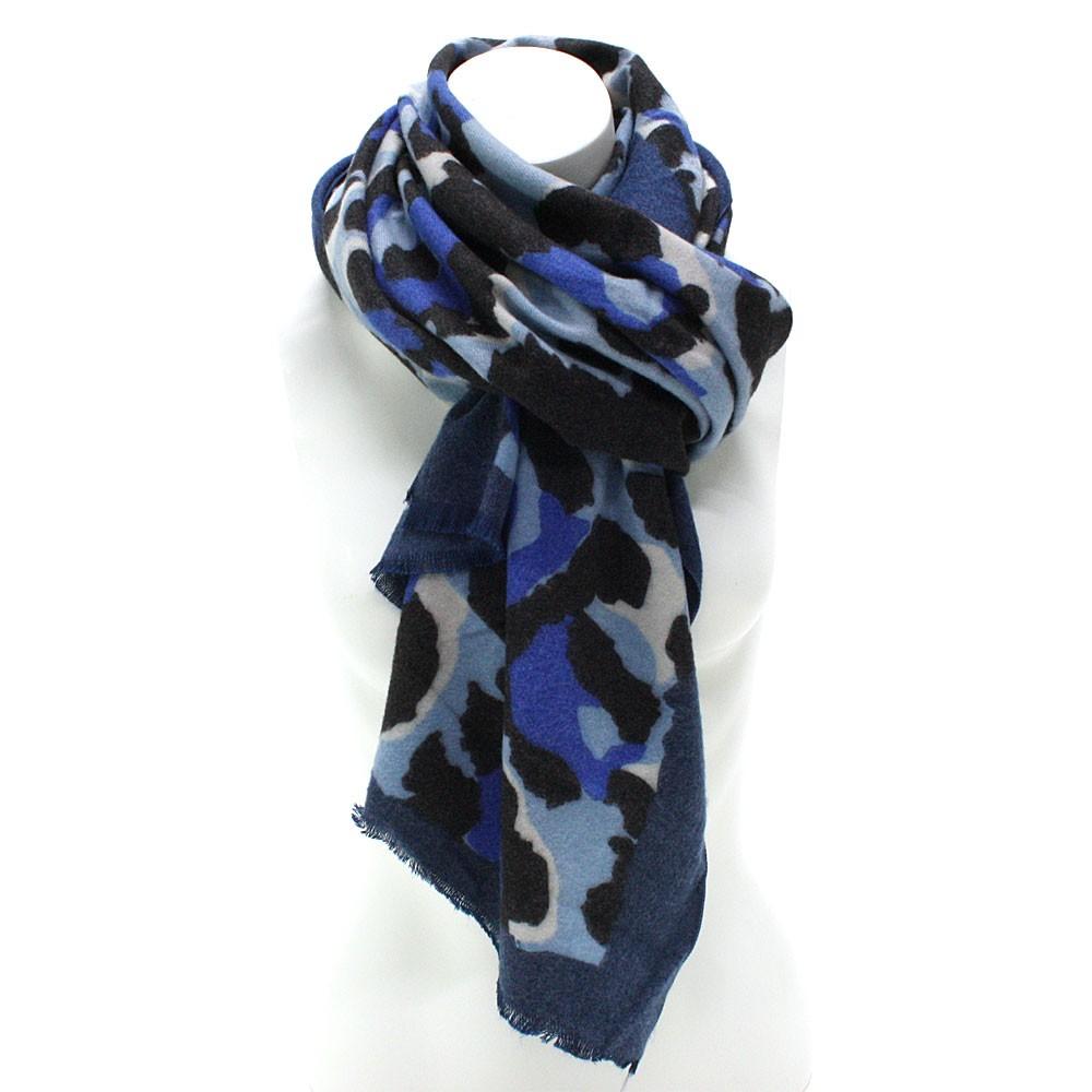 Modrý dámský teplý šátek se zvířecím vzorem Bryn