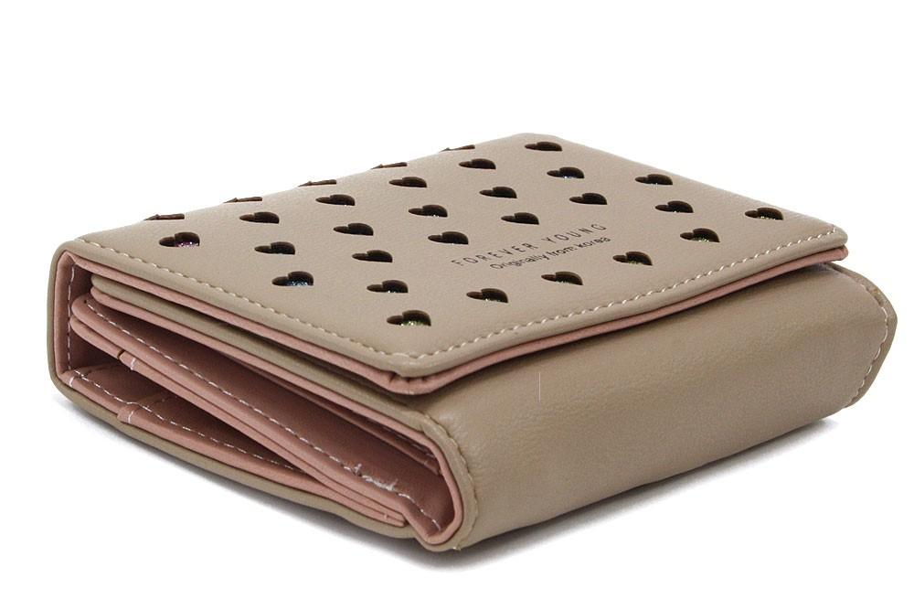 Béžová zipová dámská peněženka s klopnou se srdíčky Valerie